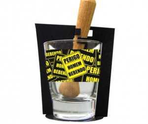 Copo Perigo Homem Bebendo